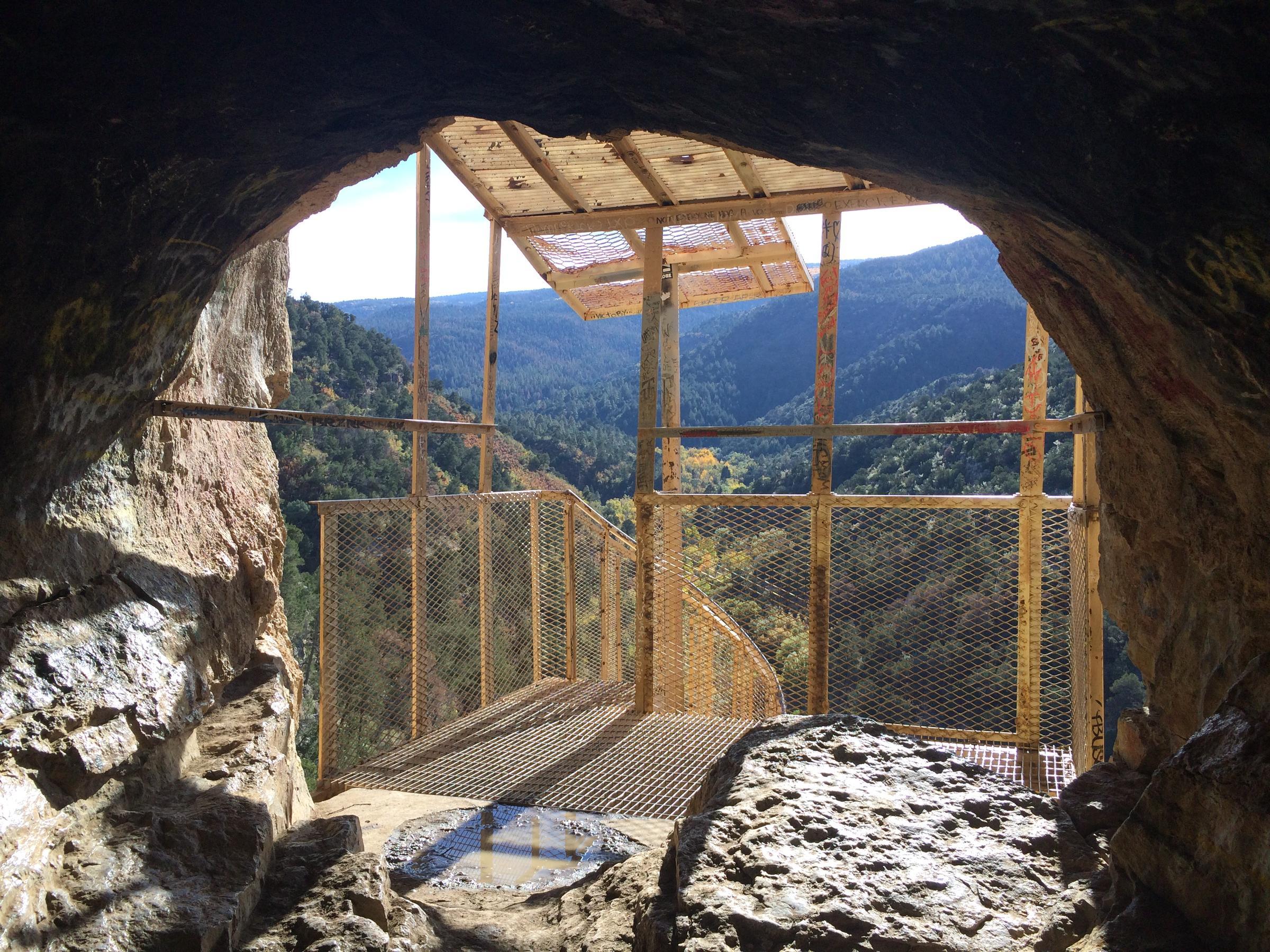 Sandia Cave