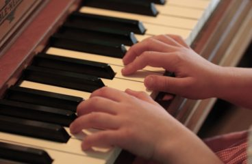 Classical Kids: Piano And Winds